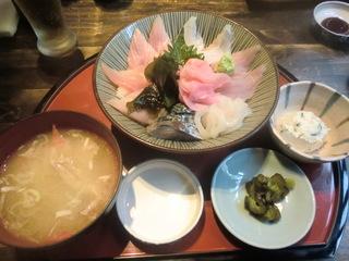 まるげん 地魚海鮮丼�@
