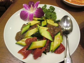 梅蘭 夏野菜と牛肉の炒め物