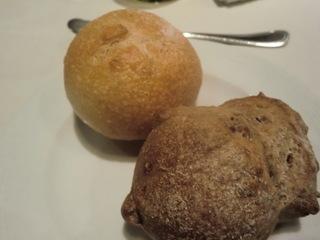 ラ・キュイエット 自家製パン�@