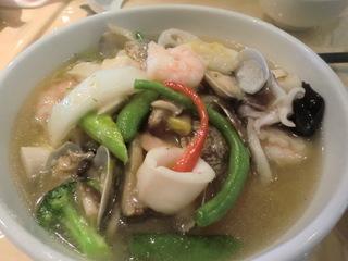 愛莉 海鮮五目湯麺